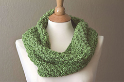 Bulky_cowl_scarf_1_web_size_small_best_fit