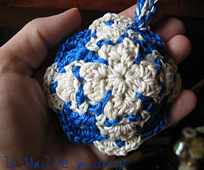 Azulejos_pincushion_crochet_2_small_best_fit