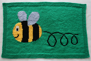 05_busy_buzzy_bumble_bee_blanket_1_small2