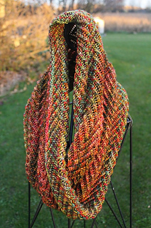 2016-10-20_euphoria_cowl_fall_leaves_small2