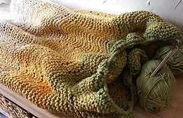 Ombre-knit-blanket3_small_best_fit