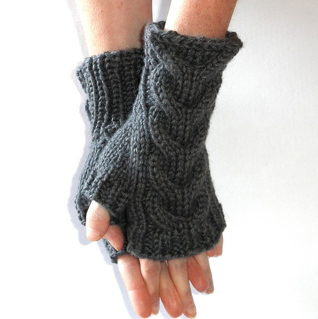 Ravelry: Horseshoe Cable Fingerless Gloves pattern by Wee Sandy