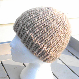 Ravelry  2 Hour Super Bulky Hat pattern by Wee Sandy 81734c9ccc0
