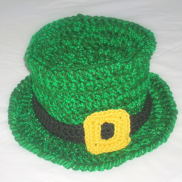 Ravelry  St. Patrick s Day Top Hat pattern by Wee Sandy fe268017ab1