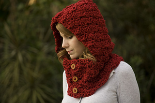 Red_hooded_cowl_small2