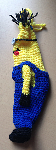 Minion-banana-cozy-side_medium