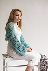 Leaf_lace_alpaca_shawl_model_small_best_fit