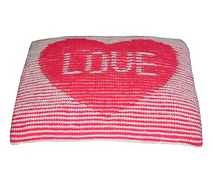 Heart_cushion_800_small_best_fit