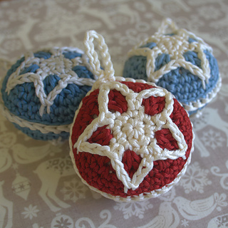 Christmas_star_bauble_6x6_1_small2