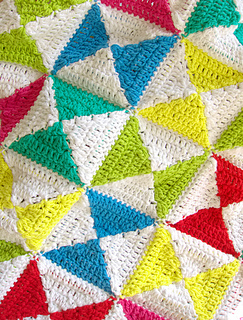 Bright_kites_crochet_baby_play_mat_5_small2