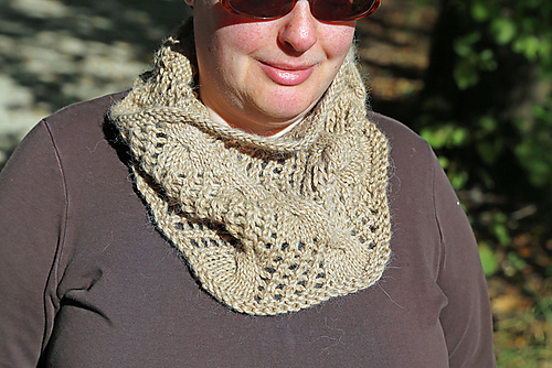 Last Minute Magic Cowl by Tanja Luescher