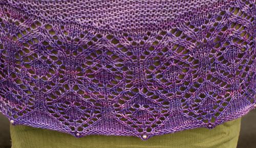 Large_shawl_close_up_hem_medium