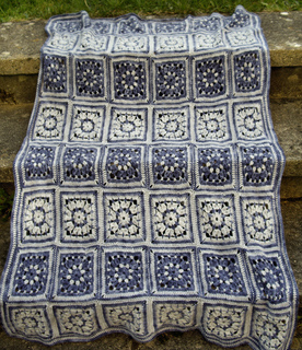 Flower_square_blanket_1_small2