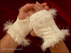 Fingerless-goves-hands-clasped_small