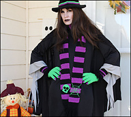 Witch-outfit_small_best_fit
