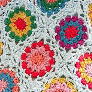 Ravelry Granny Square Blanket Pattern By Yarnplazacom