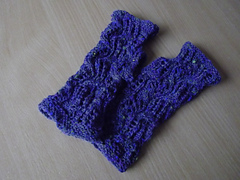 Tilty_tardis_mitts_6_small