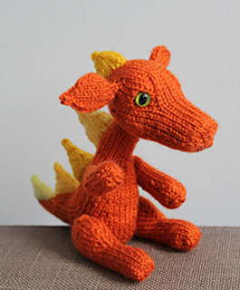 Knit Dragon Pattern : Ravelry: Dragon toy pattern by Zaryffa Sandan