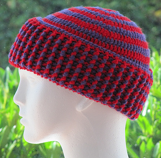 faa53472eab Ravelry  Chunky 2 Color Spiral Hat pattern by Zoe Deterding