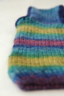Bluepurplegreensweater_detail1_small2