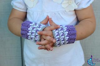 Fingerless_gloves__amethyst_gray_and_white_small2