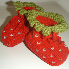 Stawberry_booties_small