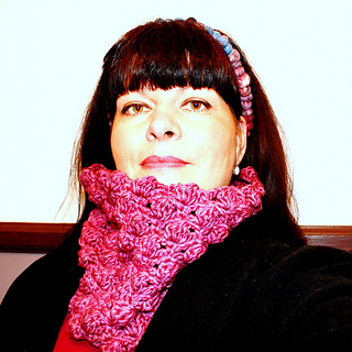 Bobbles_crochet_cowl_small2