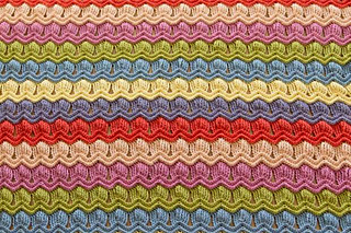 Wink-acreativebeing-vintage-fan-ripple-crochet-afghan-blanket-5_small2