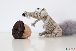 Scrat-acorn-2-by-ahooka_small_best_fit