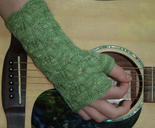 Traveling_leaf_mitts_5_small2