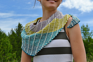 Assymetrical_shawls_one_and_two_2016-07-22_004_small2