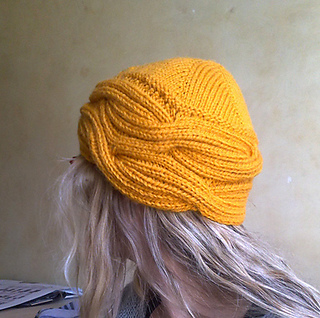 Wrapped_hat_geel3_small2