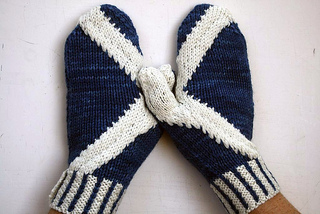 Saltire_mitts_2_small2