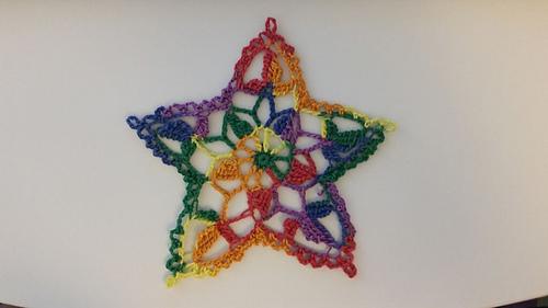 Rainbow_star_doiley_medium