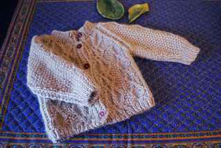 Cabled_baby_cardigan5_small2