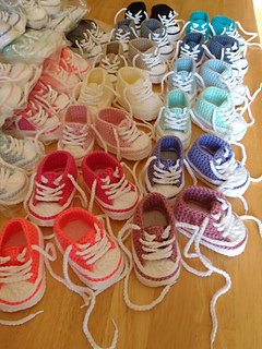 405b7891670530 Ravelry  Baby Converse pattern by Suzanne Resaul