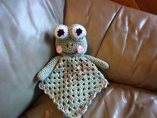 Frog_lovey2_004_small2