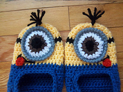 Minion_slippers_010_small