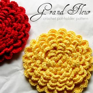 ravelry grand fleur pot holder hot pad crochet pattern pattern by amanda moriconi. Black Bedroom Furniture Sets. Home Design Ideas