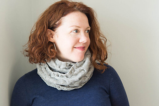 Shibui-cabled-cowl-modeled-4_small2