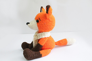 Fox_side_01_small2