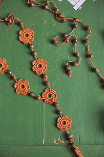 Groovynecklace_05_small2