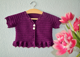 a311bb0615f0 Ravelry  Rosetta baby cardigan pattern by Annelies Baes (Vicarno)