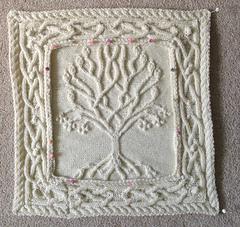 Ravelry Annemariep S Celtic Tree Pillow