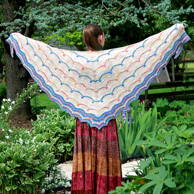 Spark and Flow Shawl par Liz Capik