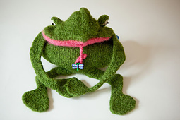 You-kiss-a-hundred-frogs-purse-3_small_best_fit