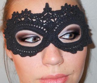 ravelry crochet lace masquerade mask pattern by arhoglen