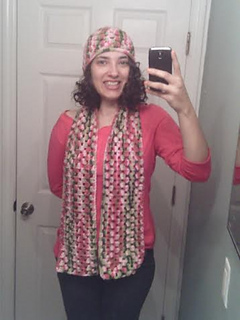 Ebay_pink_camo_hat_and_scarf_on_me_small2
