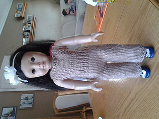 Knitted_overalls_for_american_girl_doll_front_small2