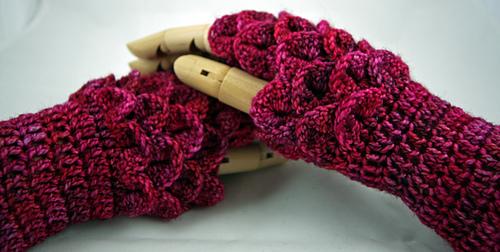 Ravelry Dragonscale Gloves Pattern By Rachel Barlow